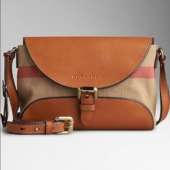 d5dd218419f6 Burberry Handbags - Nwot Burberry canvas check henham crossbody bag